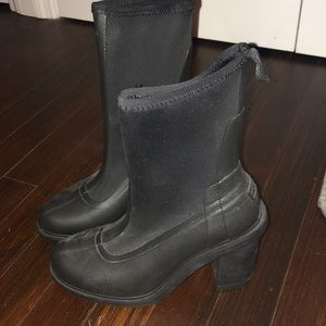 Hunter heeled rain boots